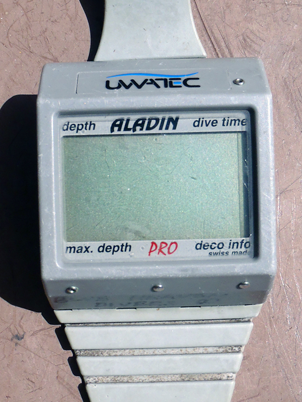 Uwatec aladin computer blue heaven divers - Aladin dive computer ...